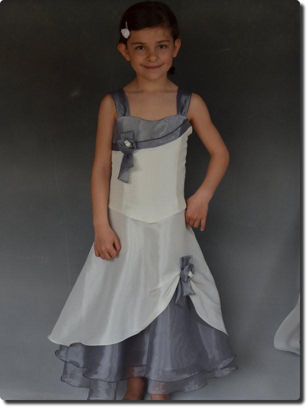 9811b9c10c724 Robe demoiselle d honneur pour enfants pour cérémonie avec étole ELENA