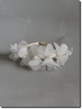 Serre-tête de cérémonie ivoire fleurs et perles pour enfants