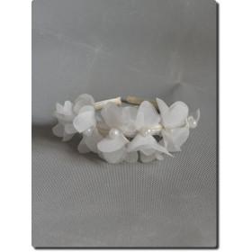 Serre-tête de cérémonie fille ivoire fleurs et perles